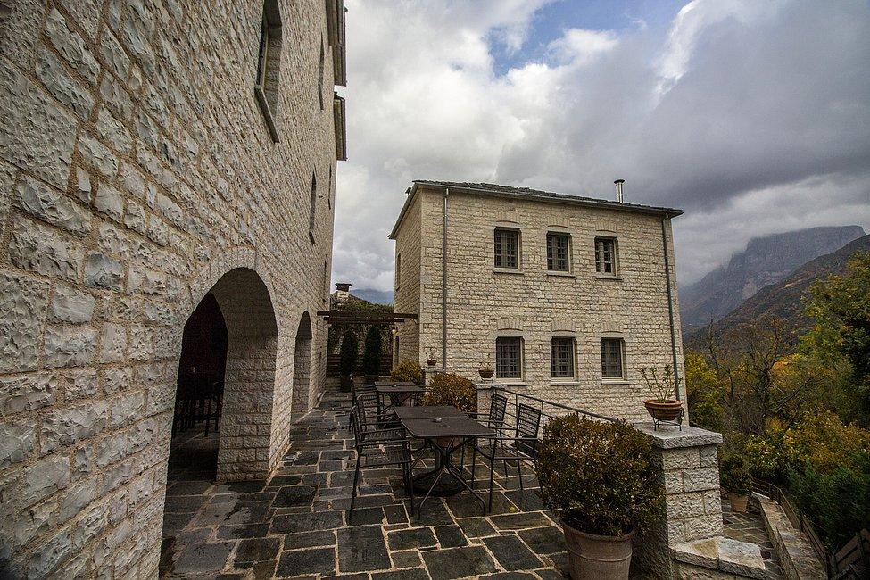 Φιλόξενο και πολυτελές το ξενοδοχείο Gamila Rocks, που επιλέξαμε για τη διαμονή μας!