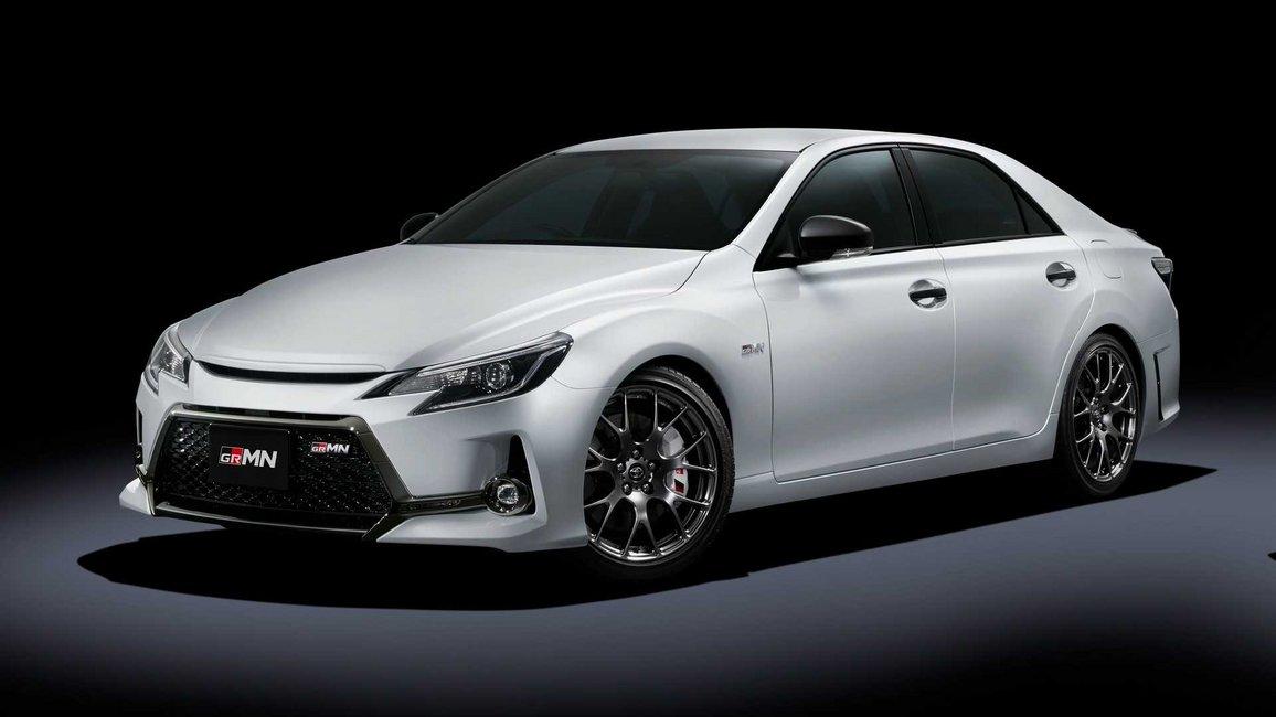 Σεντάν υψηλών επιδόσεων από την Toyota στο Τόκιο