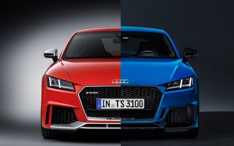 Βρείτε τις διαφορές: Από αριστερά το απελθόν και από δεξιά το νέο TT-RS