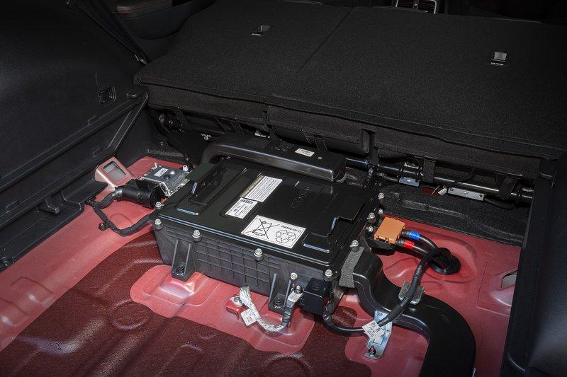 Η μπαταρία των 48V είναι τοποθετημένη στο πίσω μέρος (πορτμπαγκάζ) του Sportage.