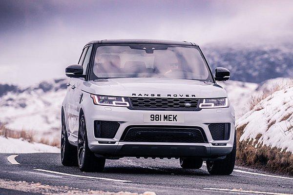 Τo Range Rover Sport HST εξηλεκτρίζεται