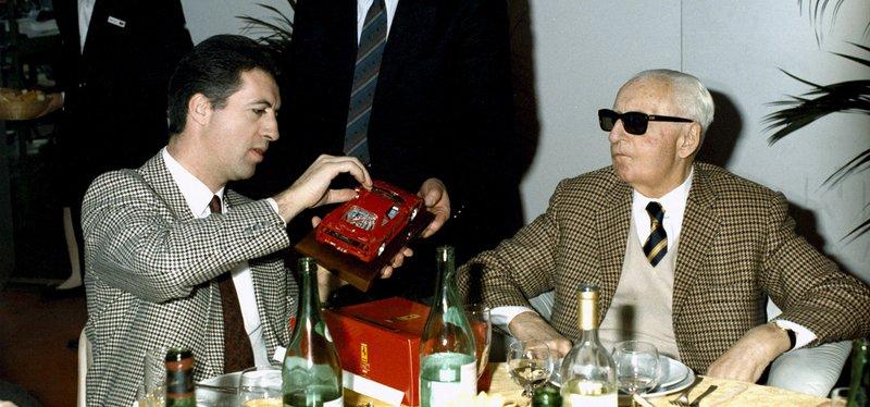 O Enzo Ferrari με τον γιο του Piero.