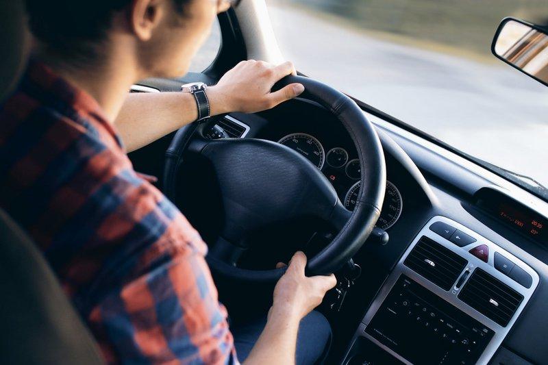 Το test drive επιβάλλεται για να δούμε εάν το αυτοκίνητο που μας ενδιαφέρει είναι στα... μέτρα μας.