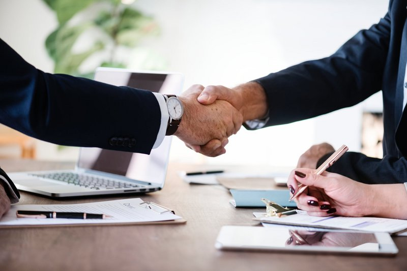 Ένα σωστό deal σημαίνει ξεκάθαρους όρους και σχέση αμοιβαίου σεβασμού μεταξύ των δύο μερών.