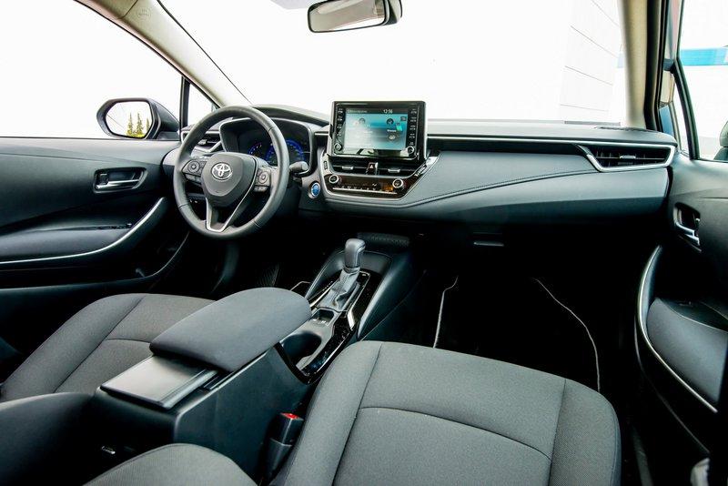 Tο νέο σύστημα ενημέρωσης και ψυχαγωγίας της Toyota αποτελείται από μια έγχρωμη οθόνη αφής μεγέθους οκτώ ιντσών.