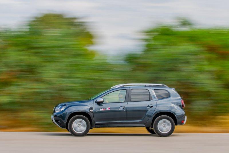 Η κατά 20 PS ισχυρότερη εκδοχή του 1.3 TCe έχει καλύτερη απόδοση στις μεσαίες rpm και -προφανώς- δίνει ταχύτερες επιδόσεις στο αυτοκίνητο. Ωστόσο, η διαφορά στη μέση  κατανάλωση καυσίμου είναι σχετικά μικρή, συγκριτικά.