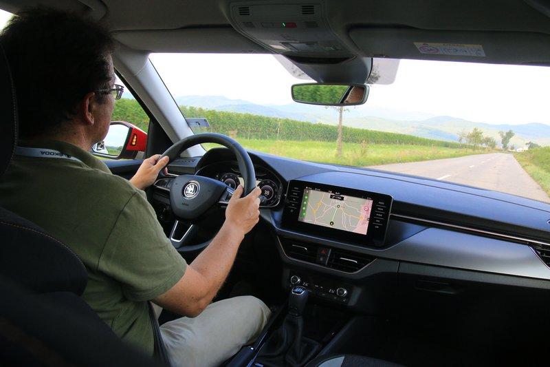 Το νέο Kamiq αφορά ένα καλοφτιαγμένο, πρακτικό, μοντέρνο SUV, ευχάριστο οδηγικά, που μπορεί να καλύψει με μεγάλη άνεση τις μεταφορικές ανάγκες μια σύγχρονης οικογένειας με το παραπάνω, είναι η ξεκάθαρη άποψη του Παναγιώτη Τριτάρη που οδήγησε το μοντέλο της Skoda στην περιοχή της Αλσατίας.