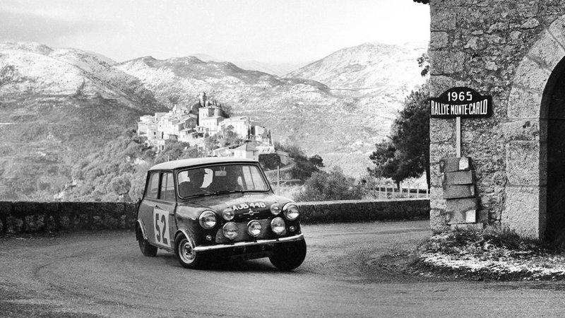 Tα Mini Cooper κυριάρχησαν στο Ράλλυ Μόντε Κάρλο και όχι μόνον επί μία τετραετία (1964-1967, έστω κι αν αποκλείστηκαν για τεχνικούς λόγους το 1966).