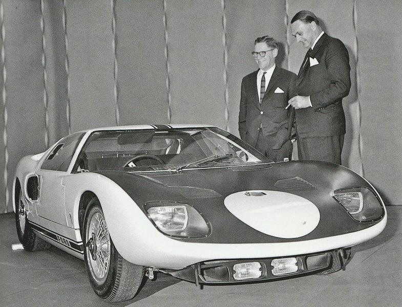 H πρώτη παρουσίαση του Ford GT40