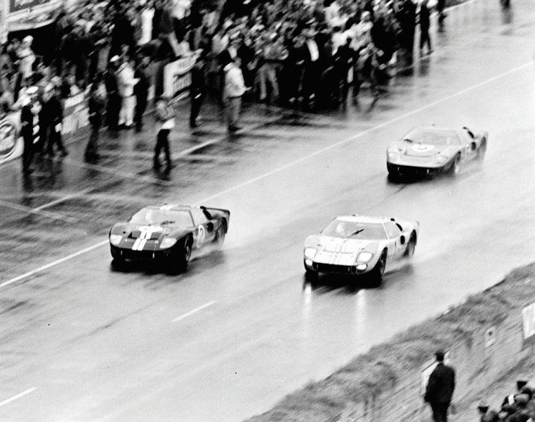 H ιστορική στιγμή του τερματισμού στις 24 Hours of Le Mans του 1966