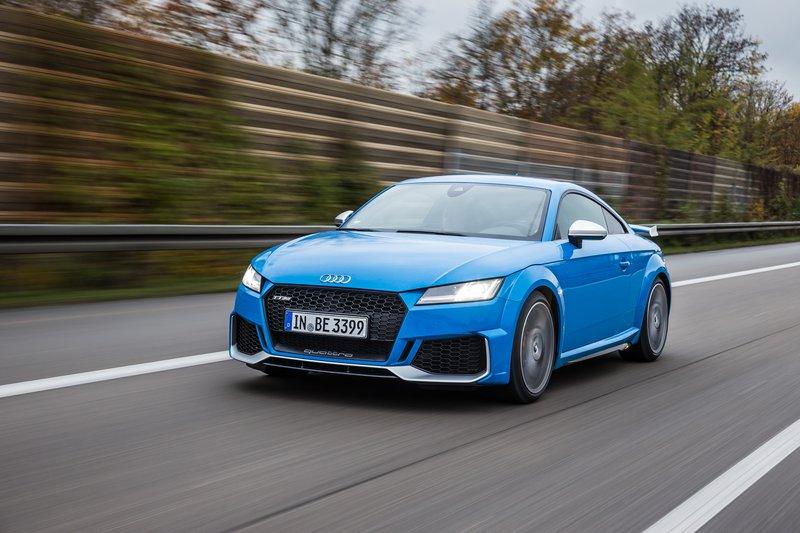 Το Audi TT RS είναι ένα από τα καλύτερα sport coupe που υπάρχουν αυτή τη στιγμή και ίσως το μοναδικό που μπορεί να συνδυάζει την ευκολία στην καθημερινή χρήση με τον αυθεντικό sport χαρακτήρα...