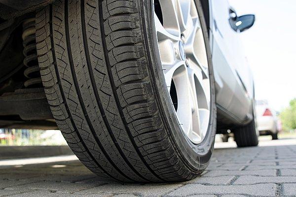 Πώς να διαλέξω τη σωστή διάσταση ελαστικών για το αυτοκίνητο μου; (Video)