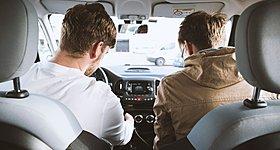 Χρήση μάσκας στο αυτοκίνητο: Πότε είναι υποχρεωτική, πώς θα αποφύγετε πρόστιμο €150