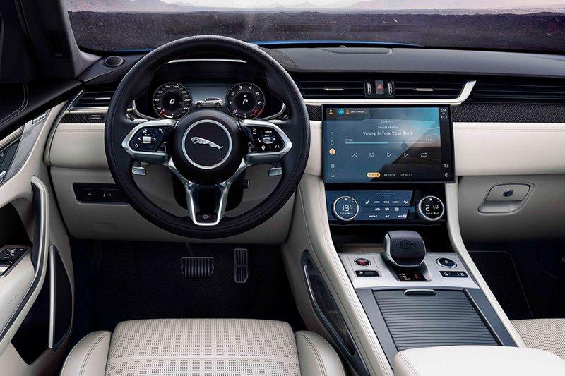Ταχύτερη με ίδια δύναμη η Jaguar F-Pace SVR (video)