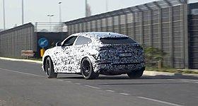 H Lamborghini Urus ετοιμάζεται για ένα σπέσιαλ φρεσκάρισμα (video)