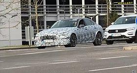 Με τη νέα Mercedes C63 AMG των 816 ίππων στους δρόμους της Στουτγάρδης (Video)
