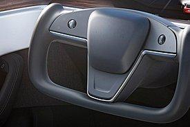 Tesla: Το φουτουριστικό τιμόνι