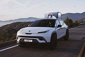 Η Fisker κατασκευάζει ένα ηλεκτρικό αυτοκίνητο για τον Πάπα