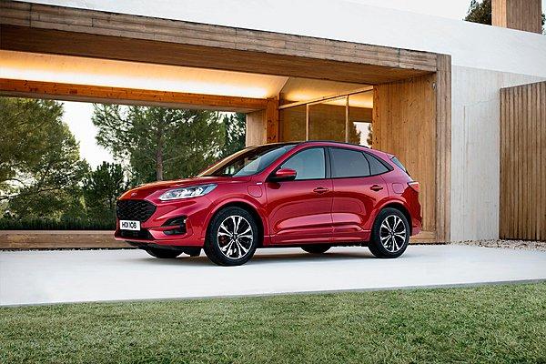 Ford Kuga: Ο δυνατός παίχτης στην κατηγορία των υβριδικών SUV!