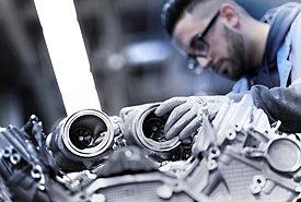 Δείτε πως συναρμολογείται ένας V8 της νέας BMW Σειράς 8 Coupe (Video)