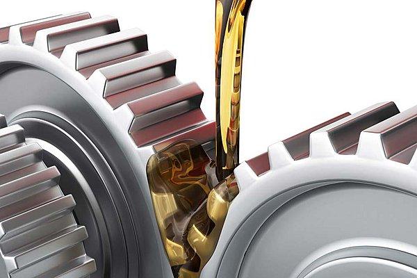 Συνθετικά λιπαντικά: Πόσο συχνά πρέπει να αλλάζουμε τα λάδια του αυτοκινήτου;