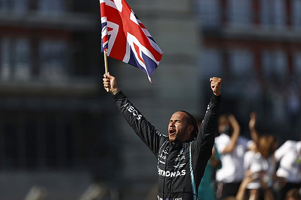 Verstappen: Ασεβής ο Hamilton, έδειξε το πραγματικό πρόσωπο της Mercedes