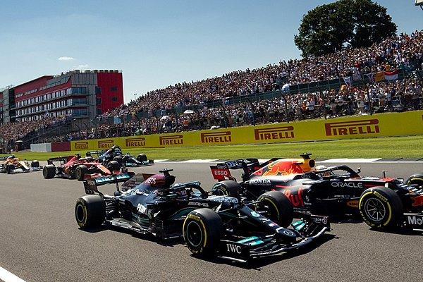Δεν επανεξετάζεται το συμβάν Hamilton-Verstappen