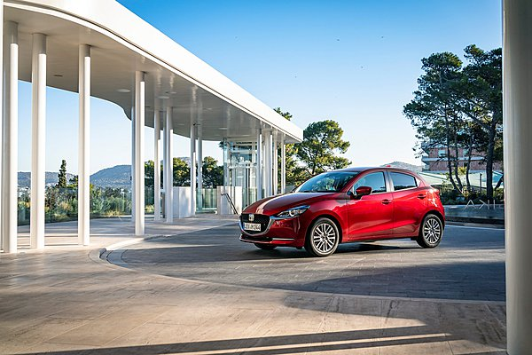 Μικρή συσκευασία, μεγάλες ιδέες: 80 χρόνια compact μοντέλων Mazda