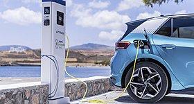 Έτοιμο το νομικό πλαίσιο για τα συνεργεία των ηλεκτρικών οχημάτων στην Ελλάδα