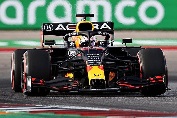 GP ΗΠΑ: Νίκη στο όριο για τον Verstappen στο στρατηγικό κρεσέντο του Austin